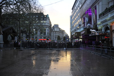 Harry Potter and the Deathly Hallows: Part 1 (Premier on Leicester Square) - The queue in front of the Empire