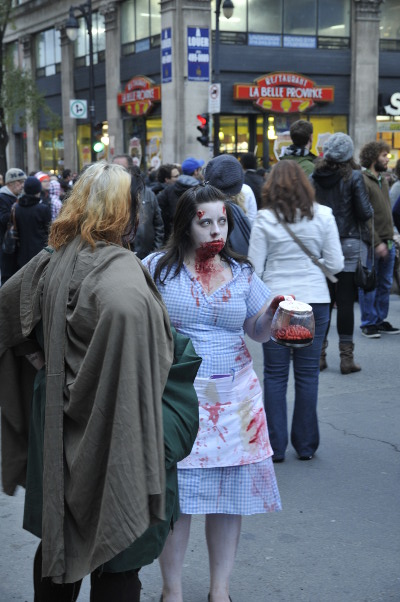 Marche de Zombies de Montréal 2011 - Would you care for more BRAINS?