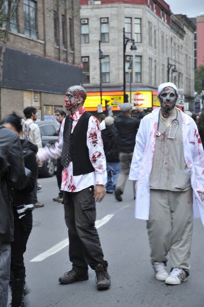 Marche de Zombies de Montréal 2011 - We've been spotted